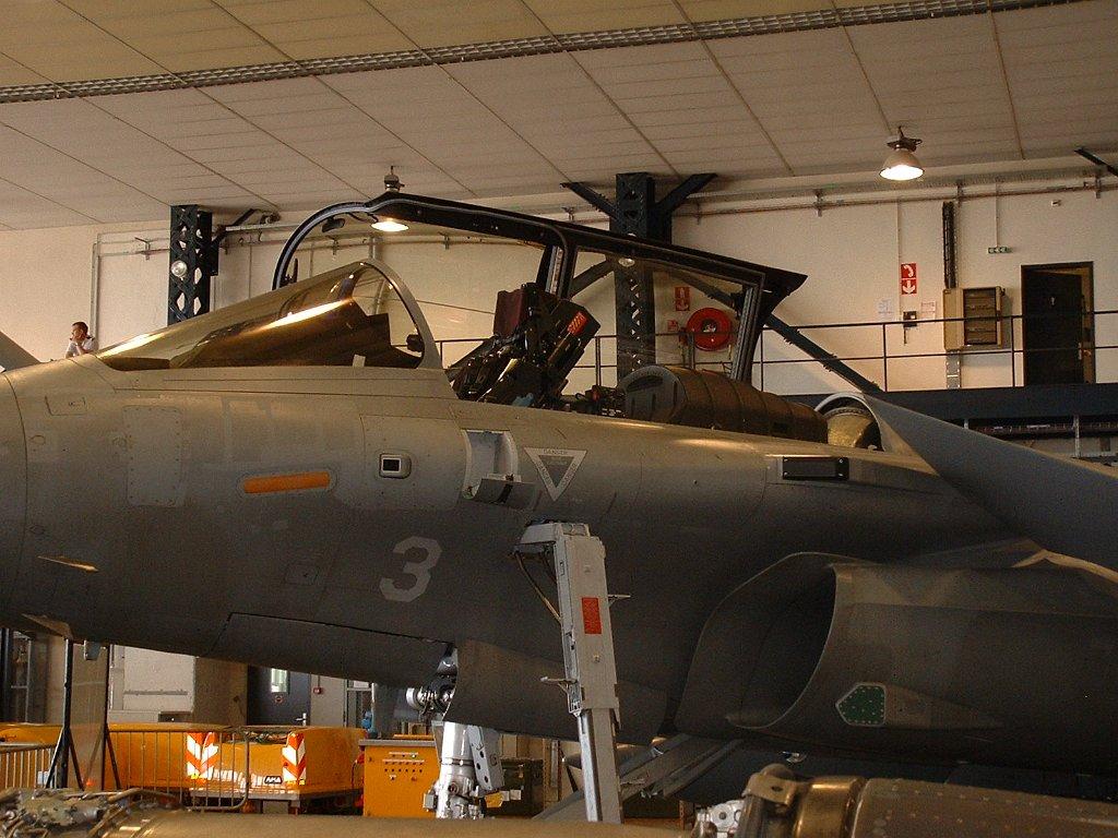 [Montage fini] Dassault Rafale M - 1/72 - Page 2 DSCF0042